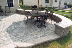 patio-curved-wall-lg1