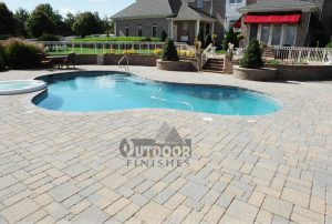 poolsidepatio2-lg